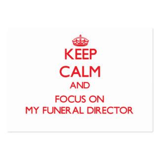Mantenha a calma e o foco em meu diretor fúnebre