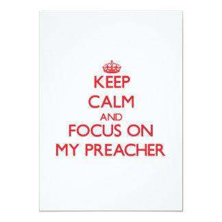 Mantenha a calma e o foco em meu pregador convite 12.7 x 17.78cm
