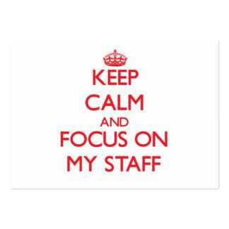 Mantenha a calma e o foco em meus funcionarios cartão de visita grande