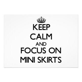 Mantenha a calma e o foco em mini saias