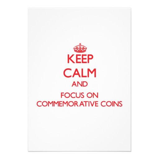 Mantenha a calma e o foco em moedas comemorativas convite personalizado