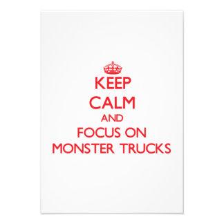Mantenha a calma e o foco em monster truck convite personalizado
