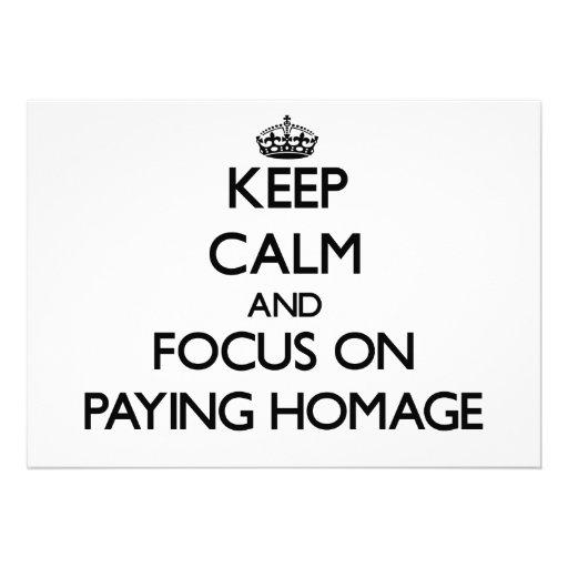 Mantenha a calma e o foco em pagar a homenagem convite personalizado