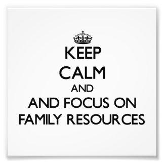 Mantenha a calma e o foco em recursos da família fotografias