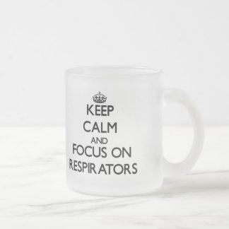Mantenha a calma e o foco em respiradores caneca de vidro fosco