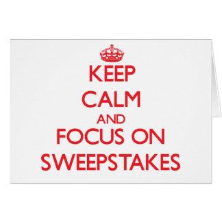 Mantenha a calma e o foco em sorteios cartão comemorativo