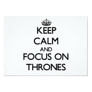 Mantenha a calma e o foco em tronos convite personalizado