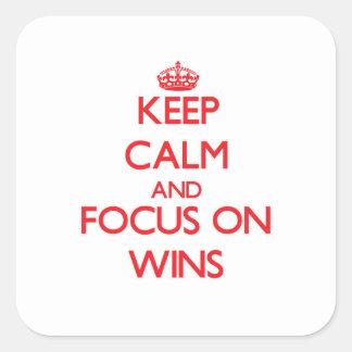Mantenha a calma e o foco em vitórias adesivo