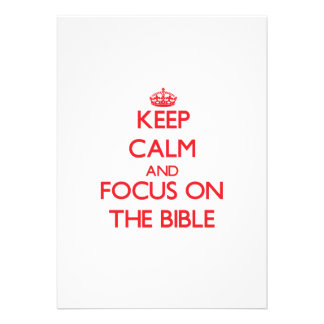 Mantenha a calma e o foco na bíblia convites personalizado