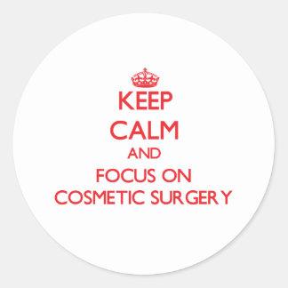 Mantenha a calma e o foco na cirurgia estética adesivo