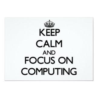 Mantenha a calma e o foco na computação convite personalizado