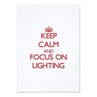Mantenha a calma e o foco na iluminação convites
