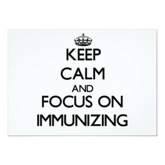 Mantenha a calma e o foco na imunização convite personalizados