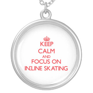 Mantenha a calma e o foco na patinagem do Em-Line Colares