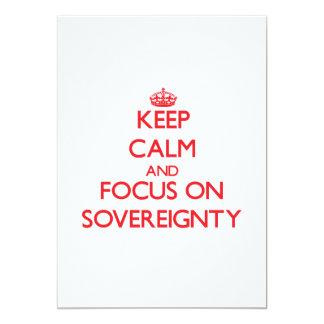Mantenha a calma e o foco na soberania convite 12.7 x 17.78cm