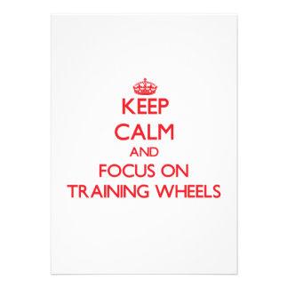 Mantenha a calma e o foco nas rodas de treinamento convites personalizado