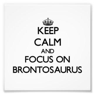 Mantenha a calma e o foco no Brontosaurus Fotografias