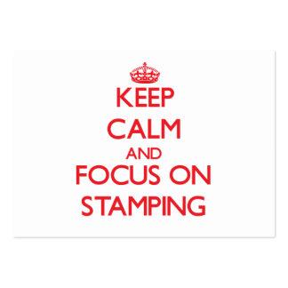 Mantenha a calma e o foco no carimbo cartoes de visitas