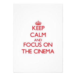 Mantenha a calma e o foco no cinema convite personalizado