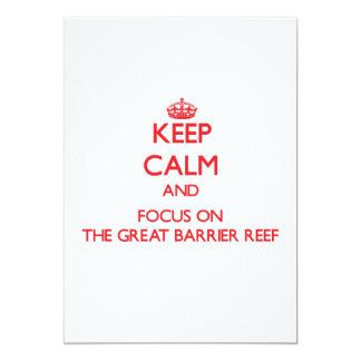 Mantenha a calma e o foco no grande recife de convites personalizado