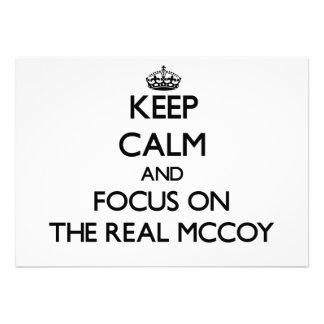 Mantenha a calma e o foco no Mccoy real Convite
