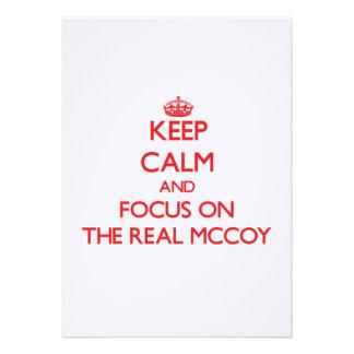 Mantenha a calma e o foco no Mccoy real Convite Personalizados