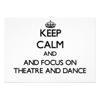 Mantenha a calma e o foco no teatro e dance convites personalizados