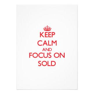 Mantenha a calma e o foco Sold Convite Personalizado
