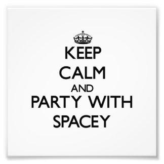 Mantenha a calma e o partido com Spacey Foto