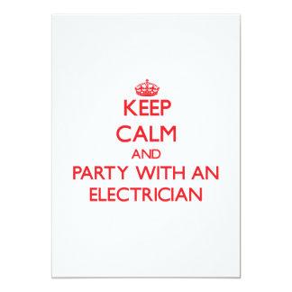 Mantenha a calma e o partido com um eletricista convites personalizados