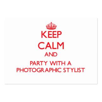 Mantenha a calma e o partido com um estilista foto modelo cartoes de visita