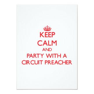 Mantenha a calma e o partido com um pregador do convite personalizados