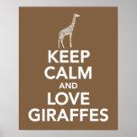 Mantenha a calma e os girafas do amor imprimem ou  pôsteres