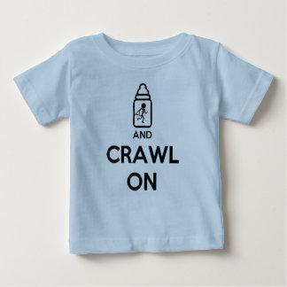 Mantenha a calma e rasteje sobre - B gêmeo Camiseta Para Bebê