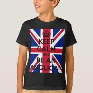 Mantenha a calma e seja um anglicano camiseta