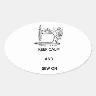 Mantenha a calma e Sew sobre Adesivo Oval