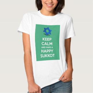 Mantenha a calma e tenha um Sukkot feliz Tshirts