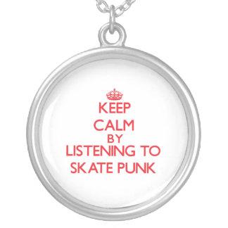 Mantenha a calma escutando o PUNK do SKATE Pingente