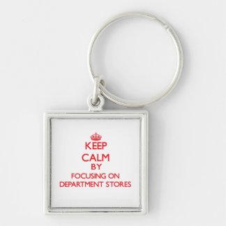 Mantenha a calma focalizando em armazéns chaveiro