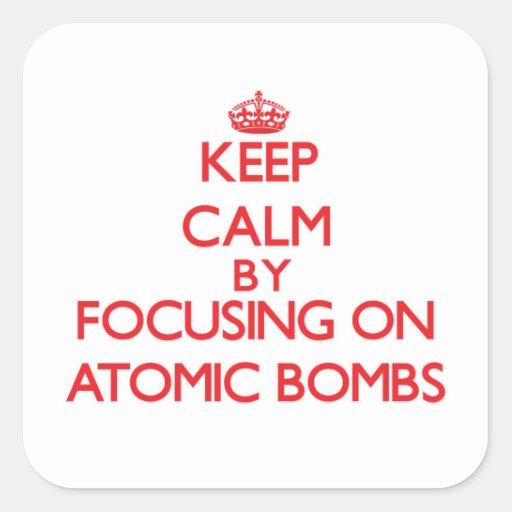 Mantenha a calma focalizando em bombas atômicas adesivo