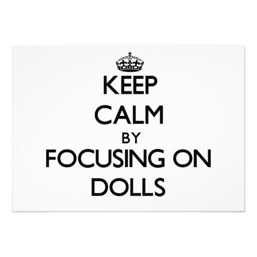 Mantenha a calma focalizando em bonecas convites personalizado