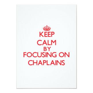 Mantenha a calma focalizando em capelães convite 12.7 x 17.78cm
