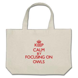 Mantenha a calma focalizando em corujas bolsa para compras
