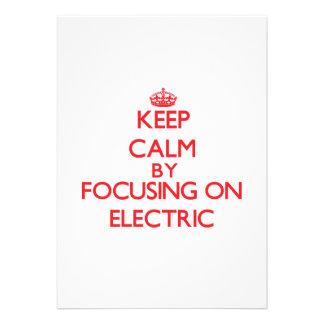 Mantenha a calma focalizando em elétrico convite personalizado