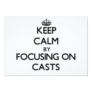 Mantenha a calma focalizando em moldes convite 12.7 x 17.78cm