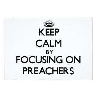 Mantenha a calma focalizando em pregadores convites personalizado