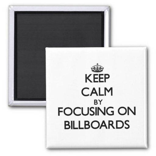 Mantenha a calma focalizando em quadros de avisos imas