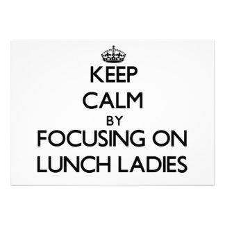 Mantenha a calma focalizando em senhoras do almoço