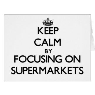 Mantenha a calma focalizando em supermercados cartões