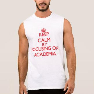 Mantenha a calma focalizando na academia camisa sem mangas